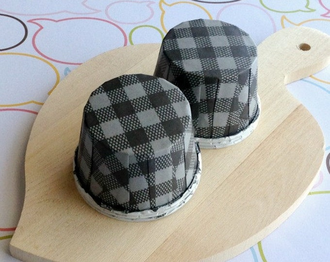 50 Black Gingham Baking Cups
