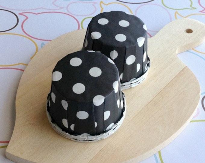25 Polka Dots Black Baking Cups