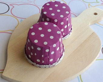 25 Polka Dots Purple Baking Cups