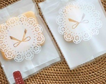 25 White Ribbon Gift Bags