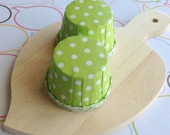 25 Polka Dots Lime Baking Cups