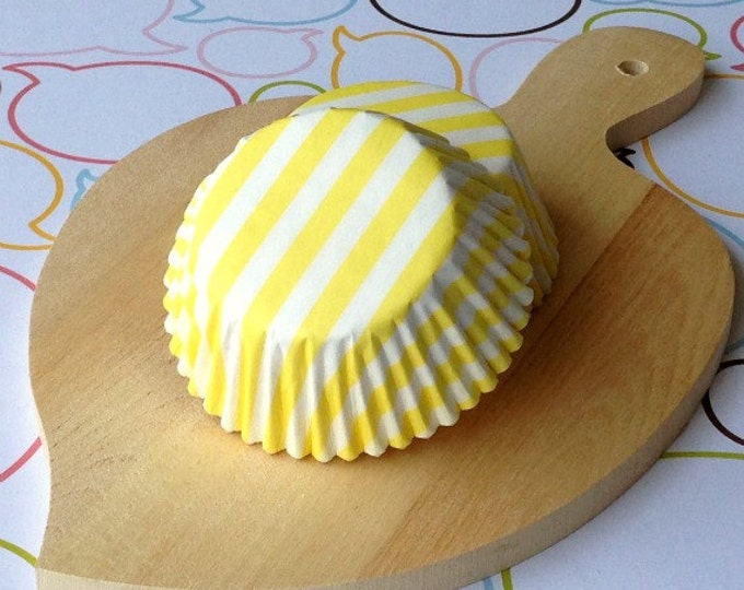 Yellow Stripe Standard Cupcake Liners