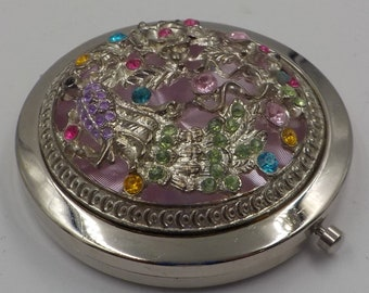 Stunning  Jeweled Compact - Magnifying - Elegant - Rhinestones and  silver metal artwork - Excellent condition