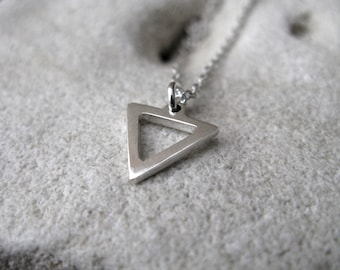 Water Sign Silver Alchemy Symbol Element Cancer Scorpio Pisces Small Triangle Link Chain Necklace