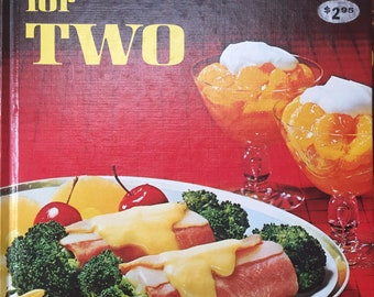 Better Homes and Gardens Cooking for Two 1968 vintage hardcover cookbook