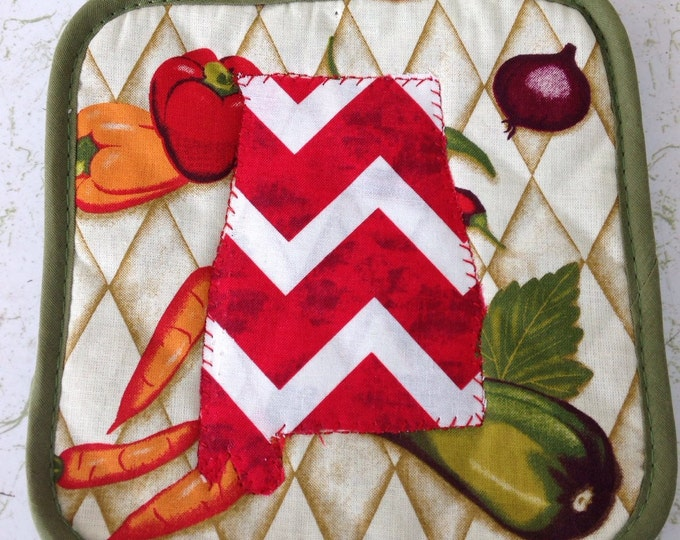 Bama Pot Holder. Fruit with Chevron