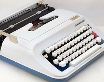 Vintage Underwood 378 Typewriter - Works!