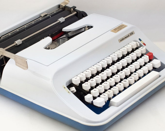 Featured listing image: Vintage Underwood 378 Typewriter - Works!