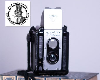 Argus Argoflex Seventy-Five Vintage Camera, with Leather Case and Flash Unit