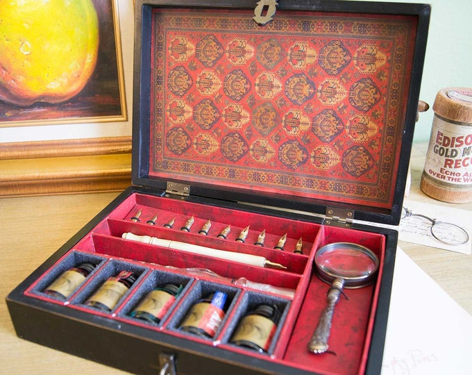 Featured listing image: Trianon Travel Calligraphy Set