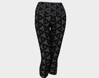 Black and Gray Tribal Pattern Yoga Capri Leggings