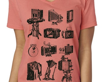 photographer shirt - photographer gift - photography gifts - womens tshirts - camera shirt - gift for her - gift women -PHOTOGRAPHIE- v-neck