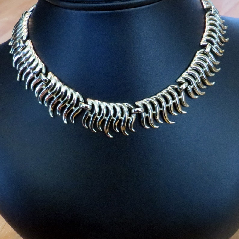 Vintage Necklace Vintage Costume Jewelry Necklace Gold Tone Wavy Combs Choker Necklace 1960s Necklace Vintage Gold Tone Necklace