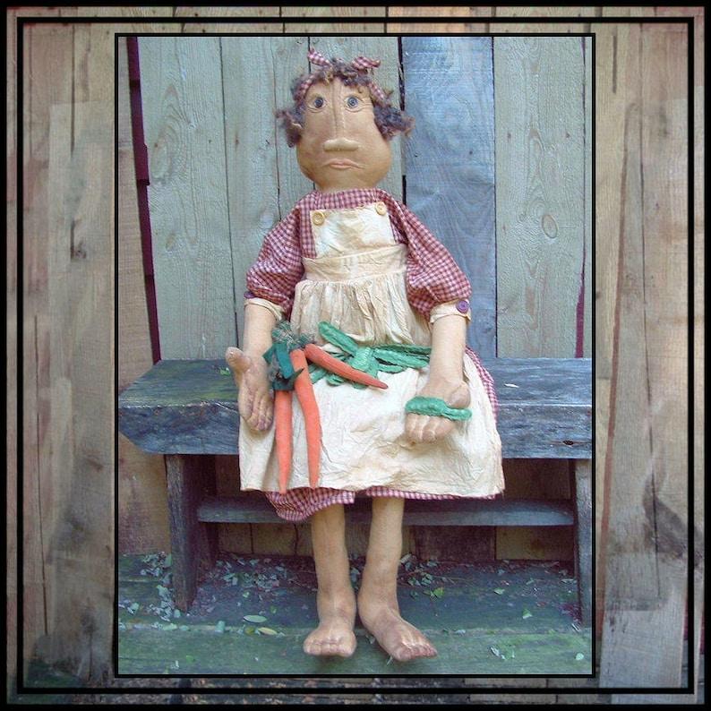 INSTANT DOWNLOAD PATTERN Primitive folk art soft sculpted feet image 0