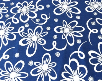 Print Tablecloth by Leacock in Blue and White Ribbonette Flowers Vintage Table Linens