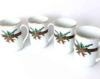 4 Christmas Mugs by Georges Briard The Hunt Red Plaid Bows Vintage Christmas