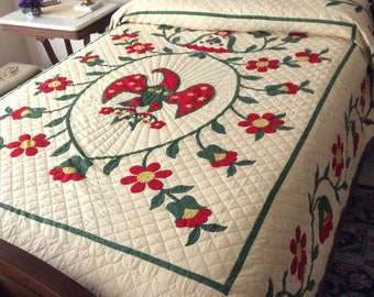 American Glory Quilt Hand Stitched Eagle Yellow Back 1960s Paragon Vintage Quilts