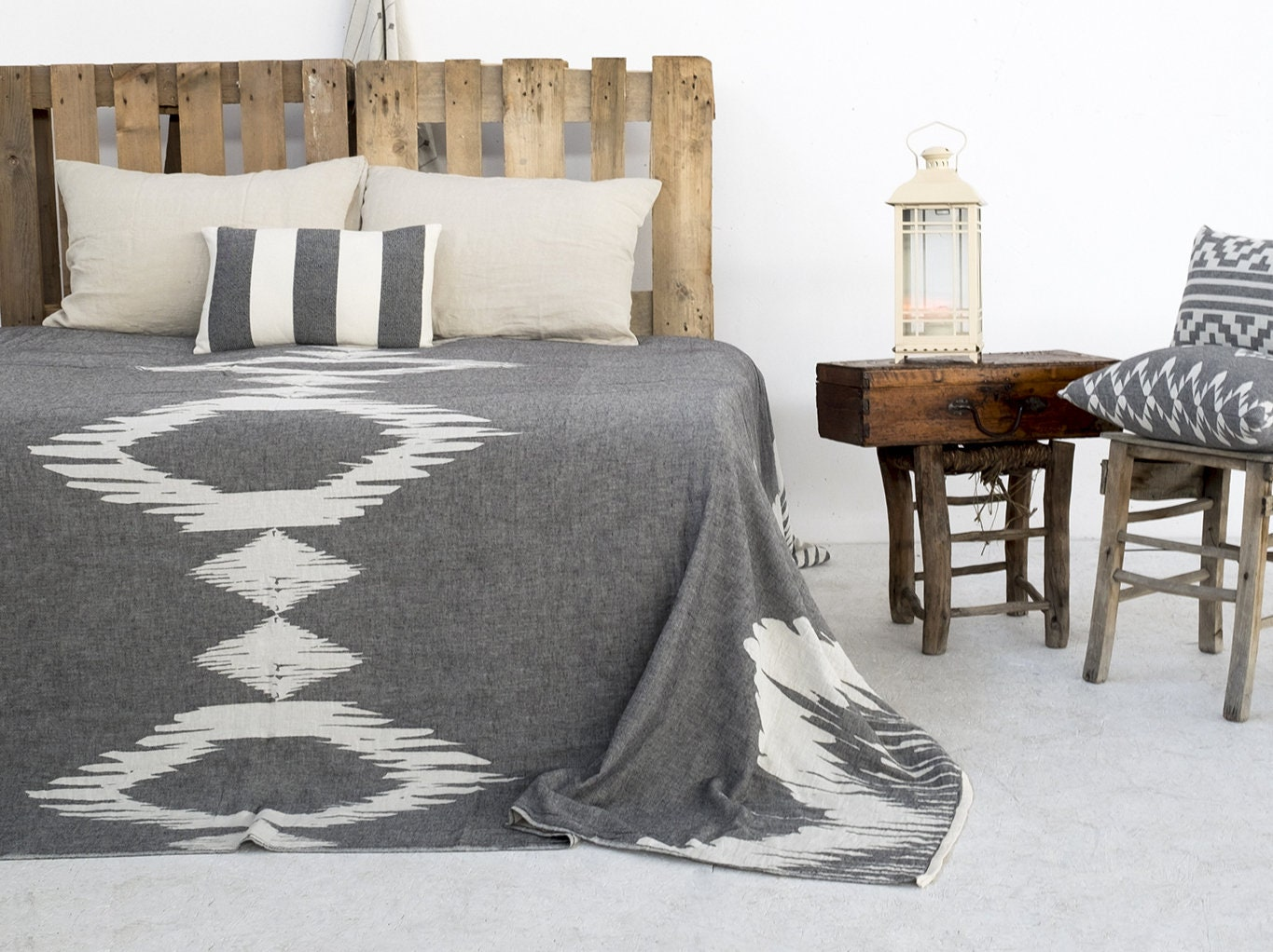 king size tagesdecke tagesdecke bettdecke k nig etsy. Black Bedroom Furniture Sets. Home Design Ideas