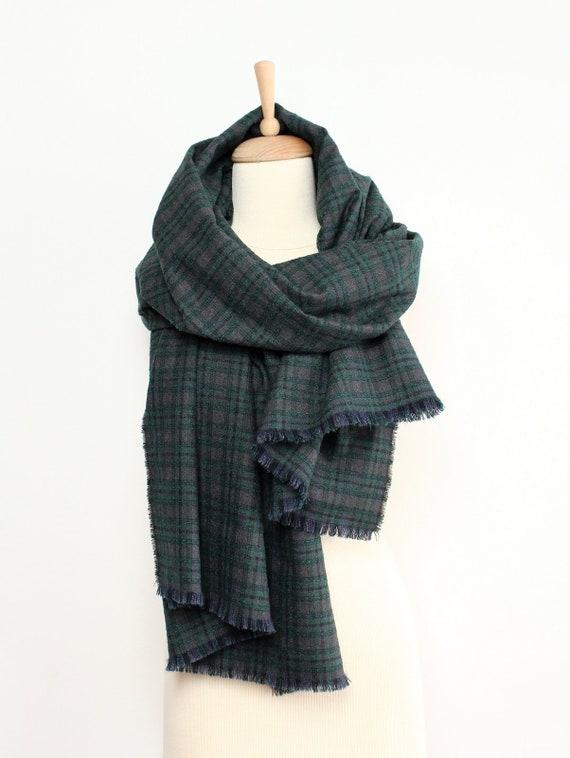 c88a145a8415 Des hommes doudou foulard 100 % laine surdimensionné châle   Etsy