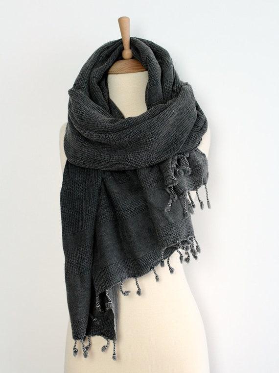 Châle gris foncé Écharpe surdimensionné Foulards Wrap   Etsy f7040972675