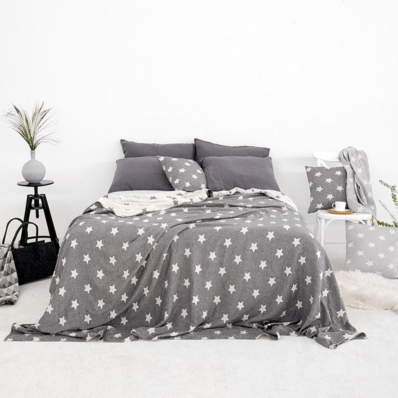 Black & White Throw Blanket Bedspread Coverlet Stars image 0