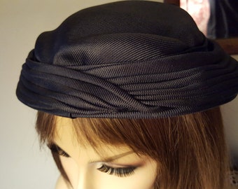 Hat 1920's  Hat Dark Blue Color Classy and Hollywood Hats made Fabric Handmade Antique with a Bow in the Back