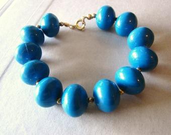 Vintage gold and blue beaded bracelet