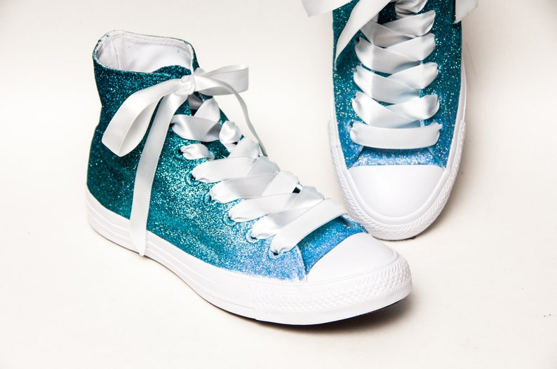 57c530b57722 Glitter Ombre Four Tone Peacock Blue to Baby Blue Converse®