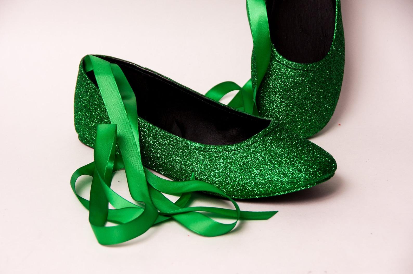 kelly green glitter ballet flats