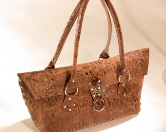 Distressed brown leather shoulder bag, weathered leather purse, almost perfect, rustic, slouchy, Sundance, antiqued, Frye, Boho, Engayla.