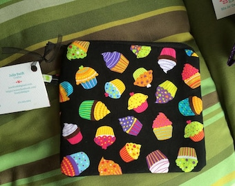cupcakes zippered pouch