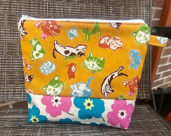 Cats and Floral zipper pouch