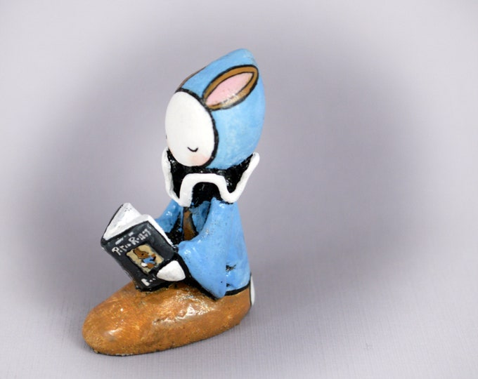 Poppet Reads Peter Rabbit - Tales by Beatrix Potter