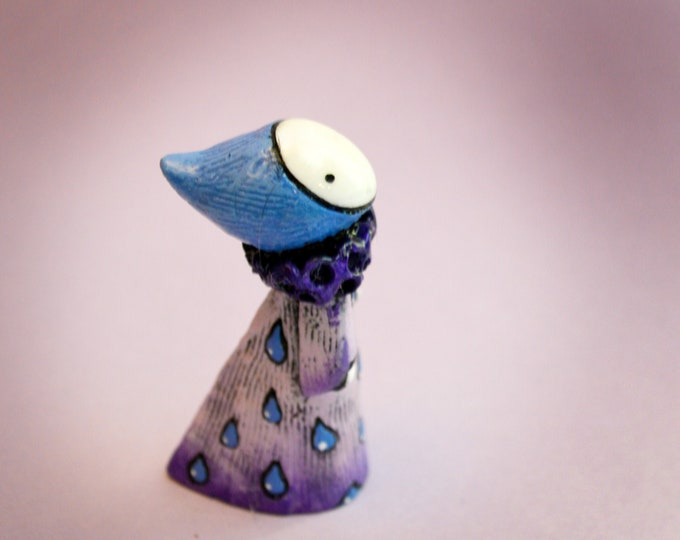 Raindrops and Lavender - A Classic Poppet