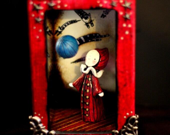 Schrodinger's Poppet Illusion Box