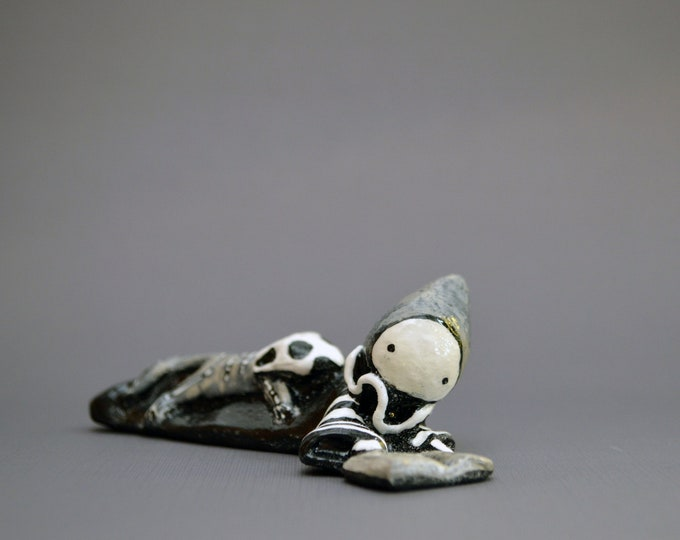 Scary Stories and a Cat  - Reading Poppet by Lisa Snellings