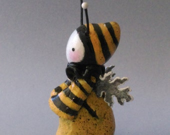 Thinking Bee  Hand-sculpted Mini Poppet