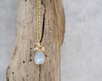 Moonstone Gold  Whirlwind Necklace - Moonstone and Pearls Pendant - Baby Pearls - June Birthstone-  Wire Wrapped - Birthstone Jewelry