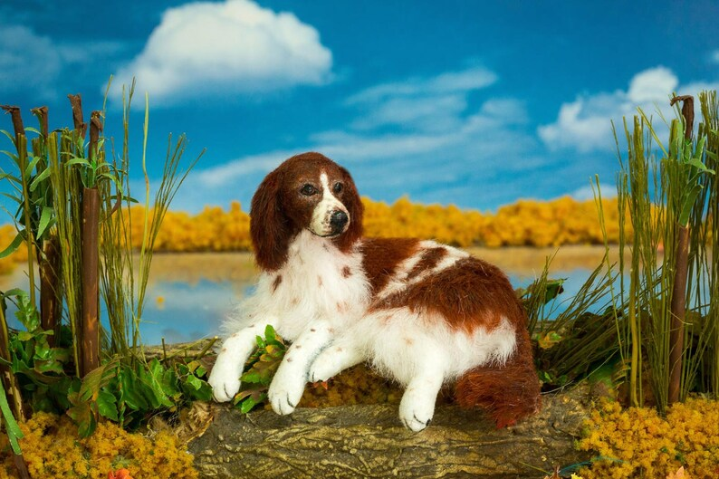 Dollhouse Miniature Dog Red and White Setter Artist Sculpted image 0