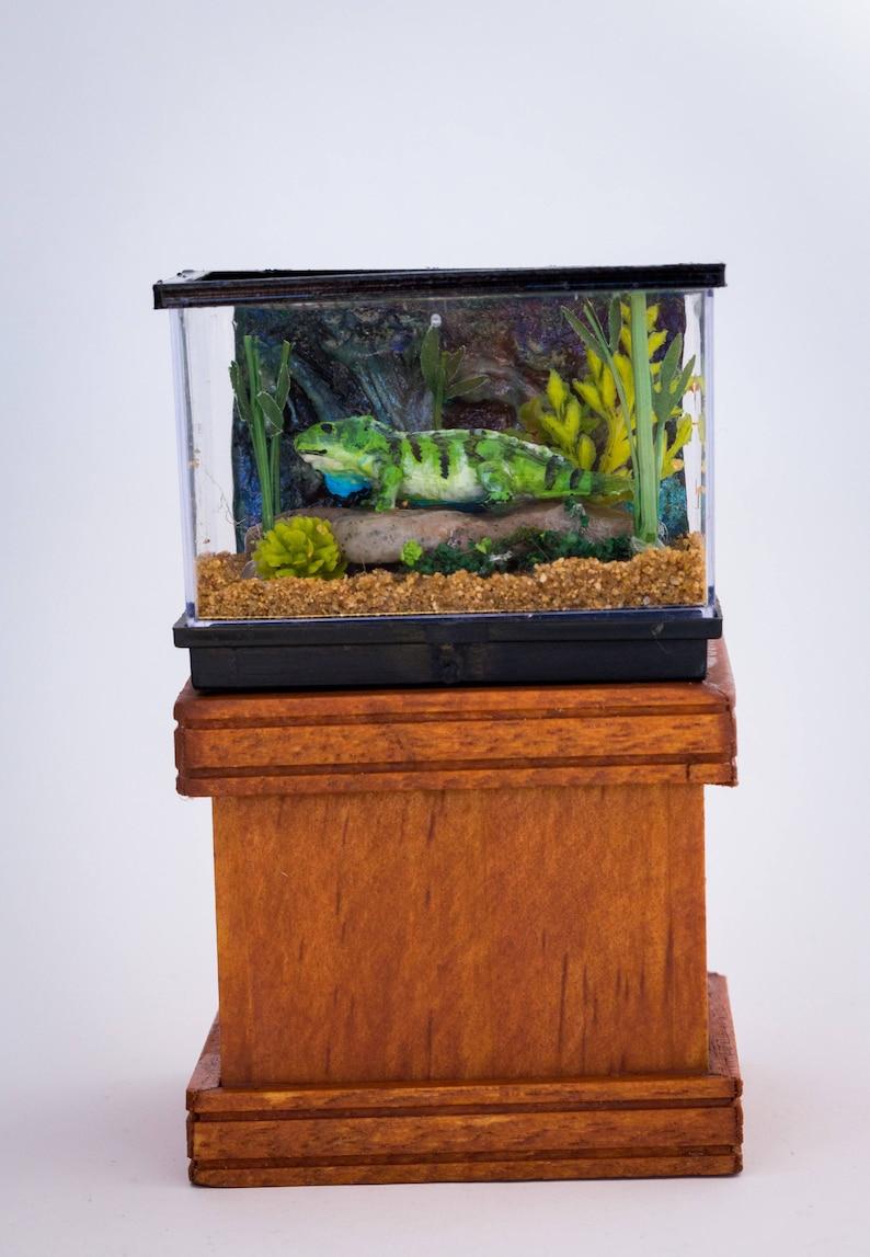 Dollhouse Miniature Large Lizard Reptile Iguana Tank Terrarium image 0