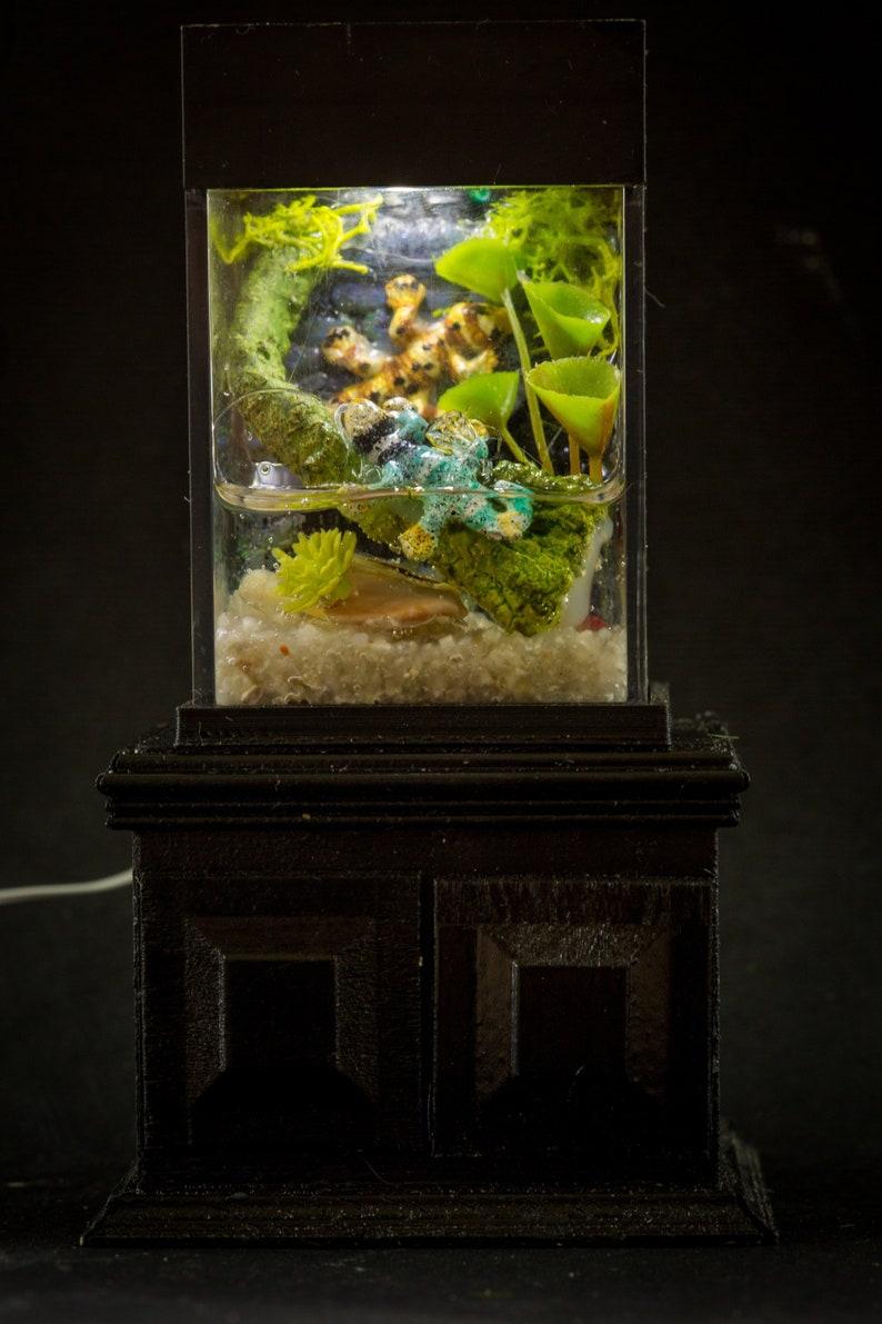 Dollhouse Miniature Reptile Terrarium Green Lizard Fish Tank image 0