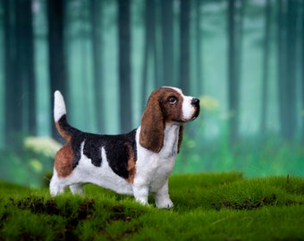 Dollhouse Miniature Standing Basset Hound Dog Flocked Painted Artisan 1:12 Scale