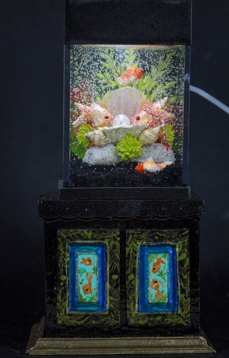 Dollhouse Miniature Goldfish with Pearl Tank Aquarium with image 0