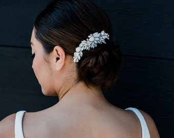 Roux: Ivory and Crystal Cluster Comb / Romantic