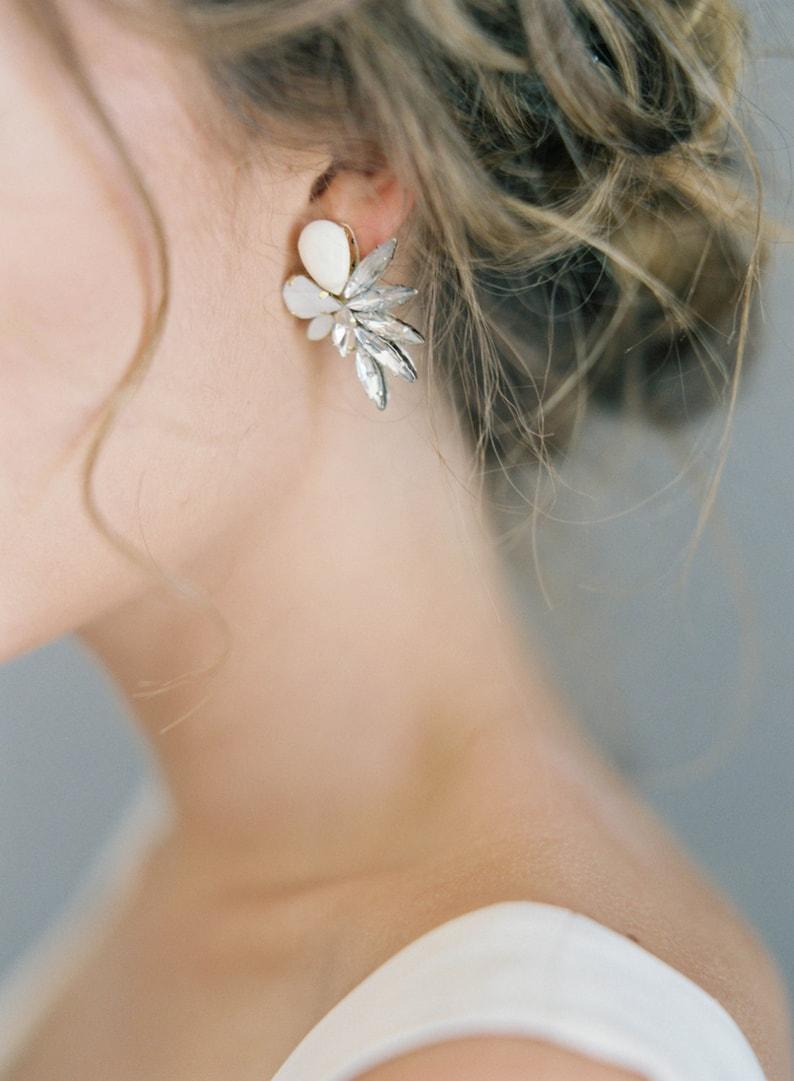 Asymmetric crystals earrings