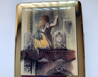 Alice In Wonderland Looking Glass 7 day Pill Box with Mirror