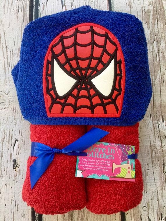 beach towel Captain America gift bath towel pool towel children/'s gift Captain America hooded towel appliqued towel Super hero towel