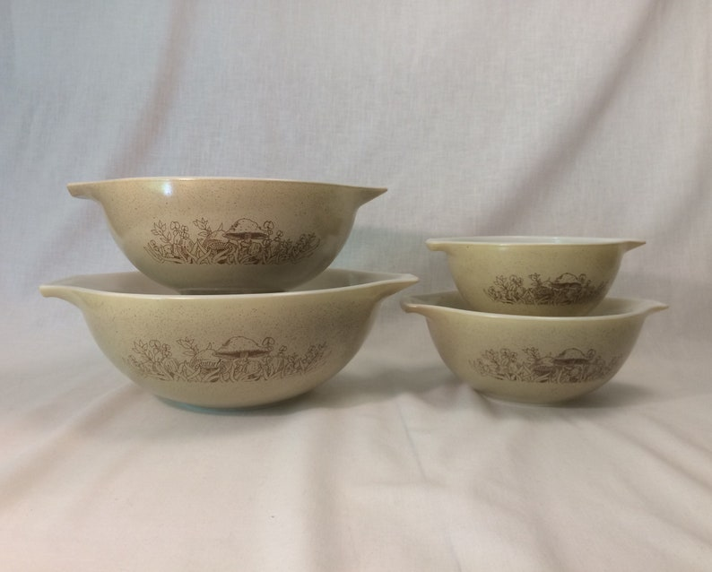 Pyrex Bowl set of 4 Forest Fancies Cinderella