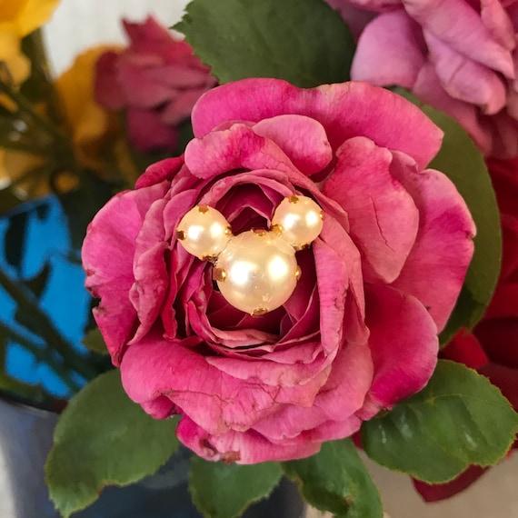 Centerpiece Bouquet Hidden Mickey-6 Pearl Mouse Bouquet Picks-Disney Wedding Flower Pins-Disney Shower Gift
