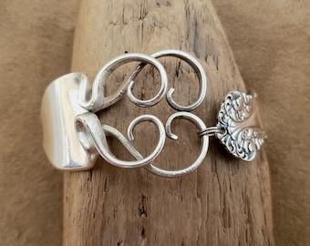 "Stunning and Unique Fork Bracelet / Spoon Bracelet - Size Medium (6 3/4"")"